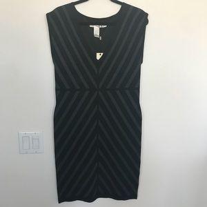 BNWT Women's Chevron Print Dress